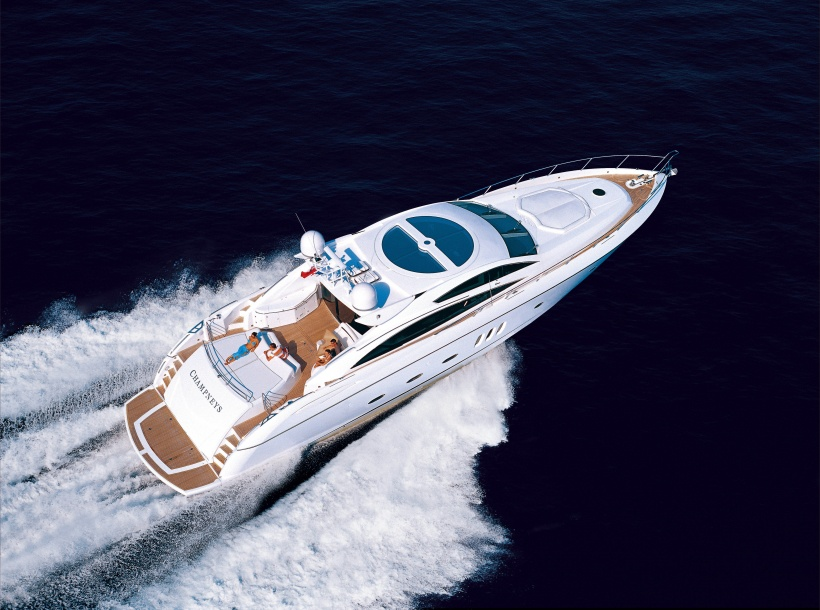 Boat charter Sunseeker SuperHawk 48. Builder: Sunseeker. Model: Predator 82