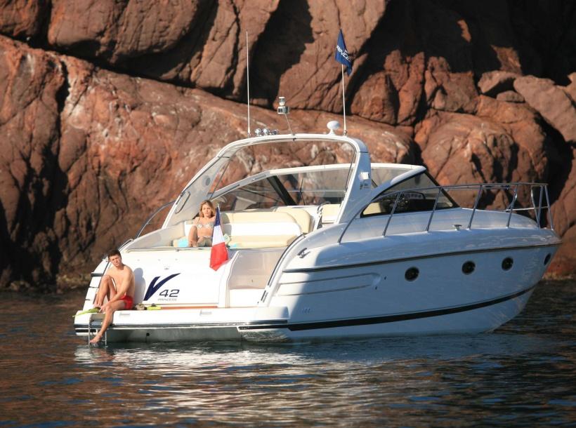 Yacht charter Princess V42. Builder: Princess