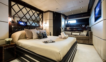 Flybridge MONDOMARINE 40M - Boat picture