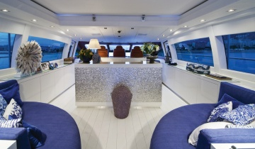 Open Mangusta 108 - Boat picture