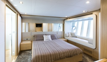 Flybridge FERRETTI 800 - Boat picture