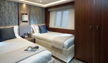 Flybridge PRINCESS 40M - Boat picture